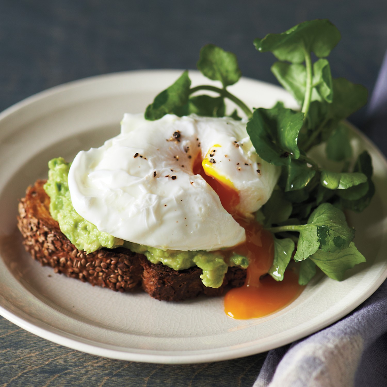 sesame-toasts-poached-egg-avocado-md109548_sq