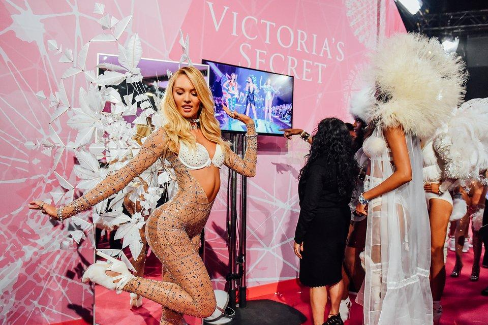 tommy-ton-victoria-secret-fashion-show-2015-006